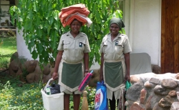 cleaning_ladies